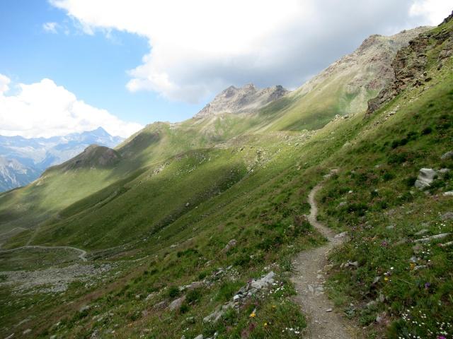 Il sentiero che sale al Passo del Invergneux - tratto pedalabile