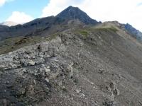 Passo Invergneux - la traccia su pietraia del tratto finale