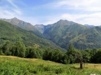 Panorama sui rilievi della Valle del Liro salendo al Rifugio Mottafoiada