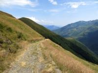La strada militare che attraversa la Valle dell'Albano in direzione di Garzeno