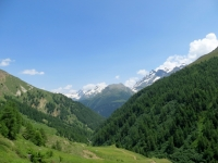 Salita al Saflischpass, panorama su rilievi del confine italo-svizzero