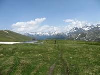 Ascesa al Saflischpass, sullo sfondo i rilievi della Lengtal e della Binntal
