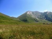 Pian dell'Alpe, vista sul Colle delle Finestre