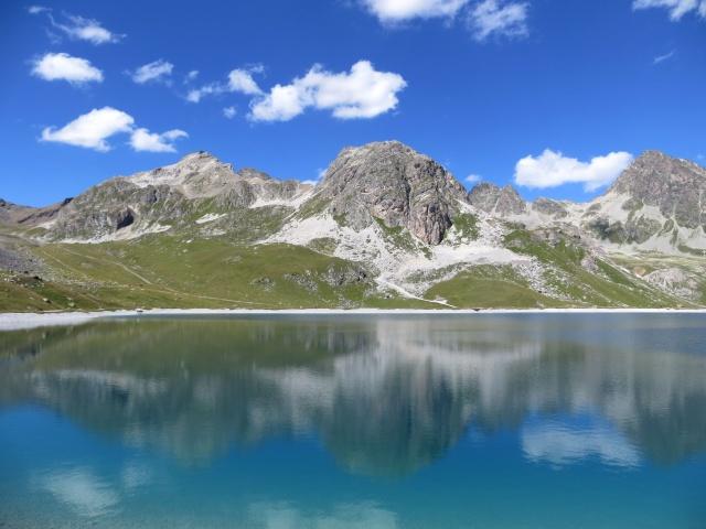 Bacino artificiale sovrastante il Lago di Alv