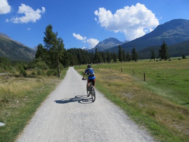 La via ciclopedonale che collega Samedan con Celerina