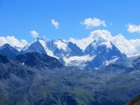 Massiccio del Bernina e relativi ghiacciai (Piz Zupò 3.996, Piz Bernina 4.049, La Spedla 4.020, Piz Scerscen 3.971, Piz Roseg 3.937, ghiacciaio Tschierva)