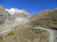 Discesa in Val Ferret dal Rifugio Elena