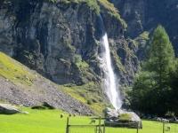 Valle Malvaglia, cascata nei pressi di Dandrio