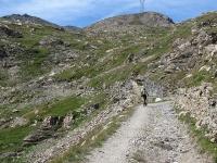 Salita al Forte Malamot lungo la militare - In alto a sinistra il Forte