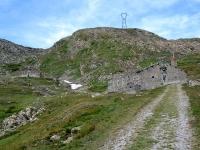 Salita al Forte Malamot lungo la militare - Baraccamenti militari del Giaset