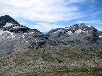 Vista dal Forte Malamot sul vallone de Savine - Sulla sinistra il Mont Giusalet  (3.312 ) sulla destra i Dents d'Ambin (3.372)
