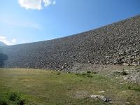 La caratteristica diga del Lago del Moncenisio