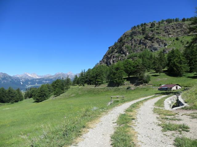 In direzione della Alpe Les Boettes, bel alpeggio