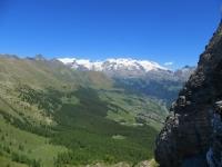 Sguardo sulla Valt d'Ayas dal Col Portola -  sullo sfondo la catena del Monte Rosa