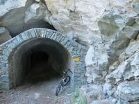 La prima delle 14 gallerie che si affrontano per arrivare al Colle di Joux