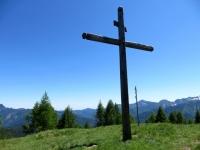La croce posta sulla sommità della Colma di Craveggia