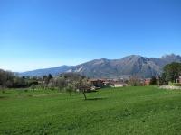 Panorama sul distretto dei Monti e dei Laghi Briantei - Sullo sfondo il Cornizzolo ed i Corni di Canzo