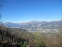 Panorama dalla cima del Monte di San Genesio su Lecco, Monte Resegone e Grigne