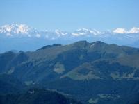 Le Alpi dalla vetta del San Primo - il Monte Generoso in primo piano e sullo fondo la catena alpina dal Rosa al Mischabel