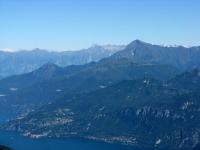 Le Prealpi dalla vetta del San Primo - Il Monte Legnone