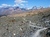 Discesa su sentiero alpino da Trockener Steg