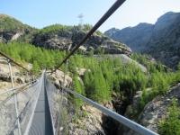 Discesa su sentiero alpino da Trockener Steg - Attraversamento del Ponte Tibetano