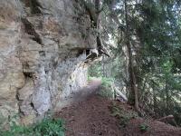 Il bel sentiero che si incontra salendo ad Obermatten
