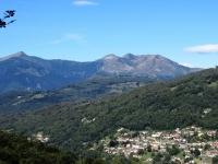 Panoramica sul Monte Tamaro salendo in direzione della Capanna Pairolo