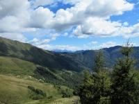 Panorama su San Lucio e l'alta Val Colla dall'Alpe Pietrarossa