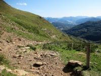 L'inizio della discesa dall'Alpe Davrosio
