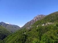 Panorama su parte della Val Onsernone - abitato di Loco