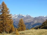Alpe di Folcra - panorama sui rilievi dell'Alta Val Leventina