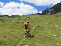 L'inizio del sentiero 11C per il Col du Salvé
