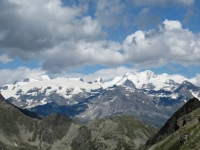 Gruppo del Monte Rose dalla cima del Monte Morion - Breithorn centrale (4.159), Roccia Nera (4.075), Polluce (4.092), Castore (4.228), Lyskamm Occidentale (4.479) e Lyskamm Orientale (4.527), Punta Gnifetti – Rif. Margherita – (4.554), Punta Parrot (4.432), Piramide Vincent (4.215)