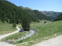I verdi pascoli attorno al Rifugio Magià