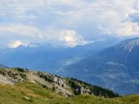 Panorama da Planigrächti - sullo sfondo i rilievi del Sempione