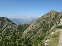 Colle del Corvo, visto dalla discesa dal Monte Toraggio